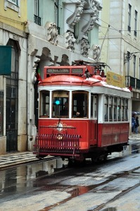 the-tram-655506_640